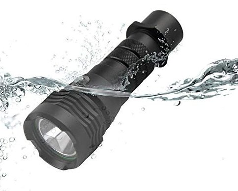 BORUiT torcia led subacquea XM-L2